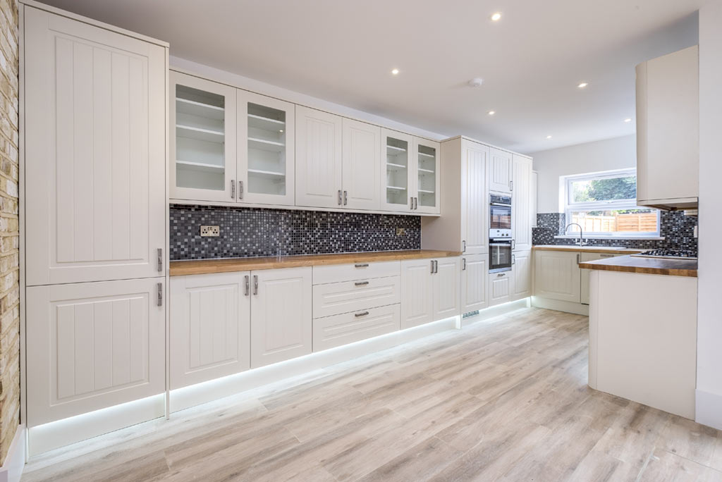 kitchen fitting in woodgreen